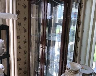 DINING ROOM DISPLAY CHINA CABINET