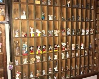 COLLECTION OF MINIATURE MICE / MOUSE FIGURINES