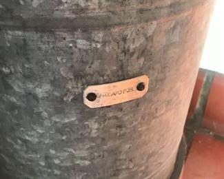 ANTIQUE BUCKET STYLE PORTABLE TOILET