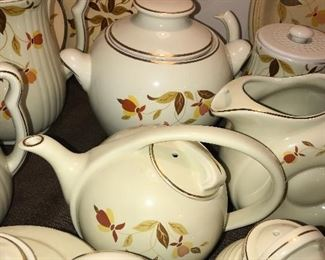 HUGE COLLECTION OF VINTAGE HALL'S AUTUMN LEAVES DINNERWARE CHINA
