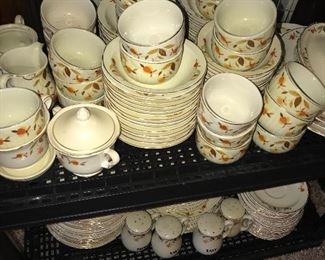 HUGE COLLECTION OF VINTAGE HALL'S AUTUMN LEAVES DINNERWARE