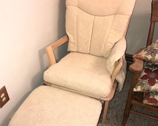 WOODEN GLIDER CHAIR WITH OTTOMAN