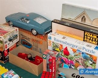Vintage Toys - Puzzles - Games - Collector Cars