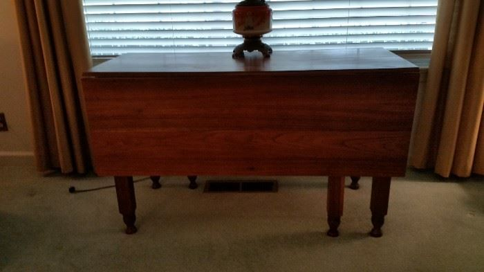 Exceptional Drop Leaf table