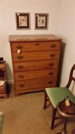 Nice Chest of drawers--
