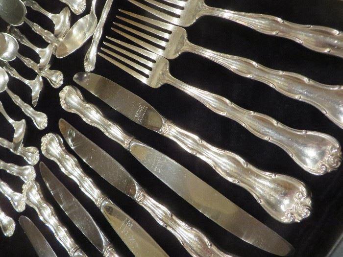 RONDO PATTERN GORHAM STERLING FLATWARE 41 PCS:    8 KNIVES, 8 DINNER FORKS, 8 SALAD FORKS, 16 TEA SPOONS, 1 SERVING FORK