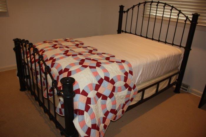 Heavy wrought iron bed (full)