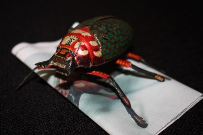 Wind up flying bug