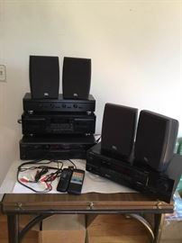 Denon Stereo System https://ctbids.com/#!/description/share/135181