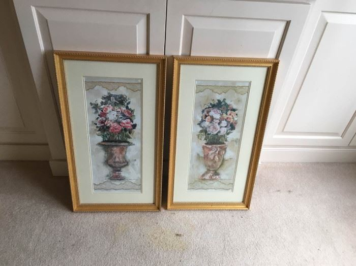 2 Exquisite Gold Frames https://ctbids.com/#!/description/share/135180