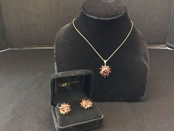 Costume Jewelry https://ctbids.com/#!/description/share/135183
