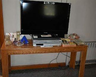 SOFA TABLE, SMALL FLATSCREEN TV, DVD/VHS COMBO