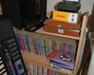 FOLDABLE SHELF, BOOKS