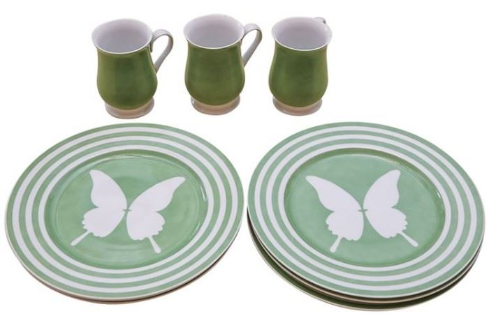131. Group of FITZ FLOYD Dinnerware