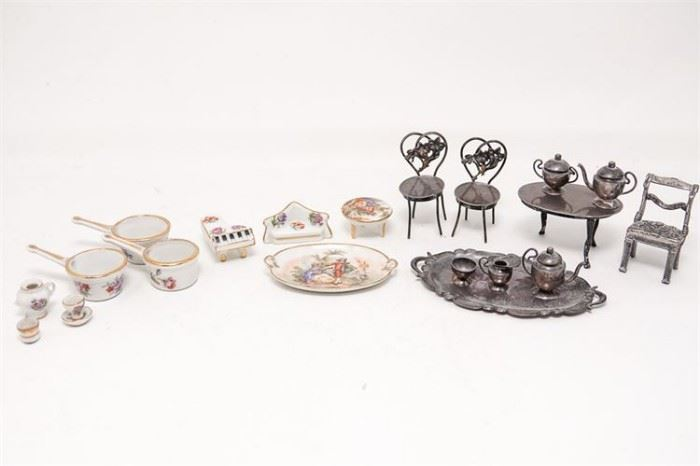 253. Group Lot Of Doll House Miniatures