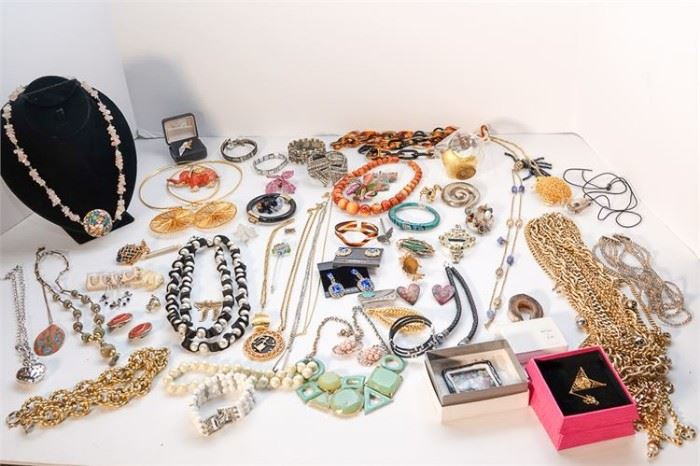 268. Group Lot of Costume Jewelry