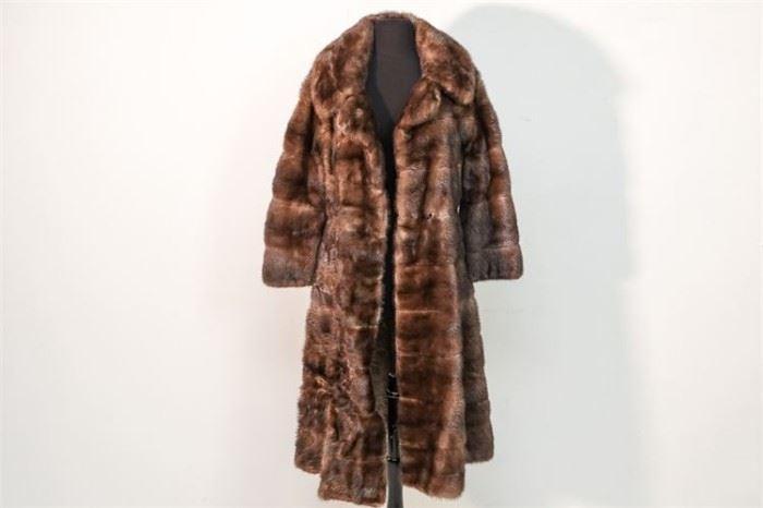 287. Ladys ThreeQuarter Length Mink Coat