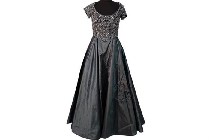 372. VICTORIA ROYAL Evening Gown