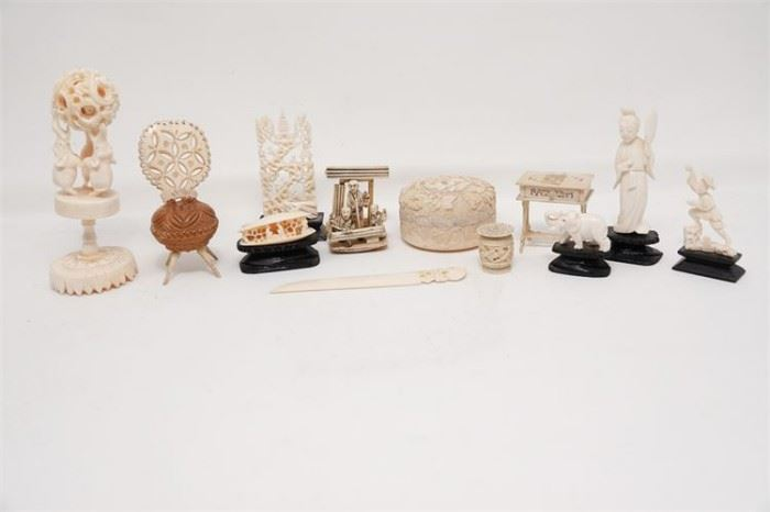 443. Miscellaneous Lot of Carved Bone Items