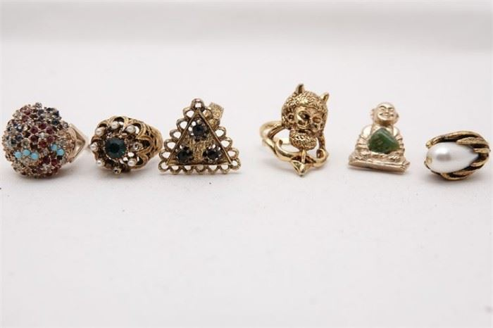 458. Group Lot of Costume Jewelry Rings etc