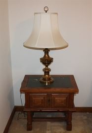 Espanol End Table and lamp