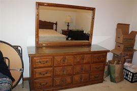 Espanol dresser with mirror