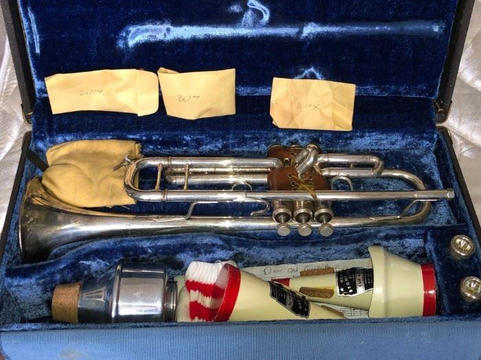 Vincent Bach Stradavarius Model 37 Trumpet w/Case