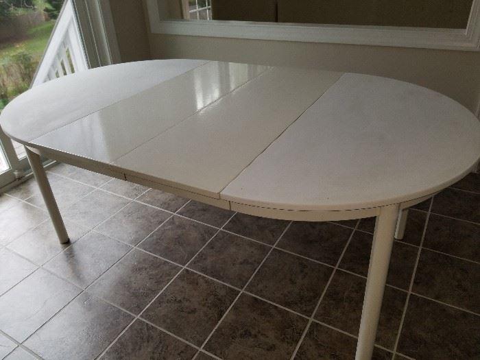 White Kitchen Table $25.00