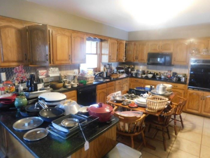 Overall of kitchen