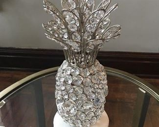 The way the sunlight hits this centerpiece is spectacular!