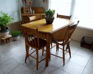 small drop leaf oak table w/ 4 chairs