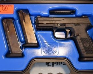 LOT # 1 - FN HERSTAL FNS40 PISTOL                                               AUCTION ESTIMATE - $400.00 - $550.00                                                                      CALIBER .40 S&W, CONDITION IS NEW IN BOX
