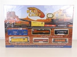 New in Box Bachmann RAIL CHIEF HO Train Set
