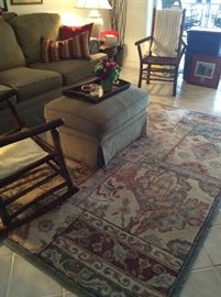 Area rug approx. 5 x 8