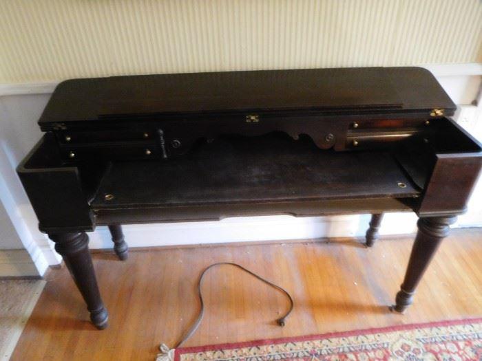 piano  style  desk