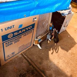 Sanyo Kerosene Heater in box OHR 300