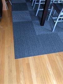 again a view of the Flor carpet tiles