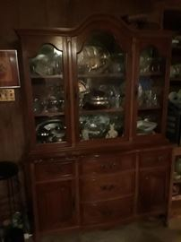2 piece solid maple French Provential china.cabinet  very good condition
