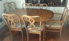 """Solid maple French Provential dining room set with 6 chairs (easy to recover) and a 12"""" leaf, very good condition"""