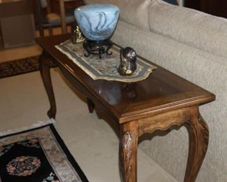 Sofa/library table.
