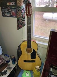 Harmony guitar w/ case