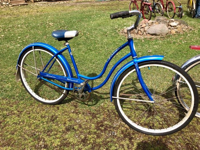 Schwinn Hollywood ladies bike