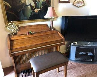 Wurlitzer organ and bench