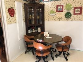 Octagonal table and 4 chairs, beautiful corner htch