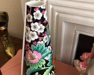 E mikasa Kutani Bird Bone China Vase