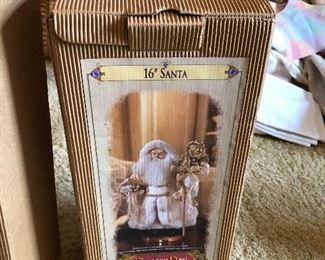 "Granduer Noel Christmas 16"" Santa's in Box"