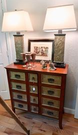 Console/Side Table - Lamps - Misc Decor