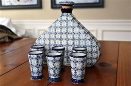 6. Decanter and 6 Glass Cups Serving Mexico Gto