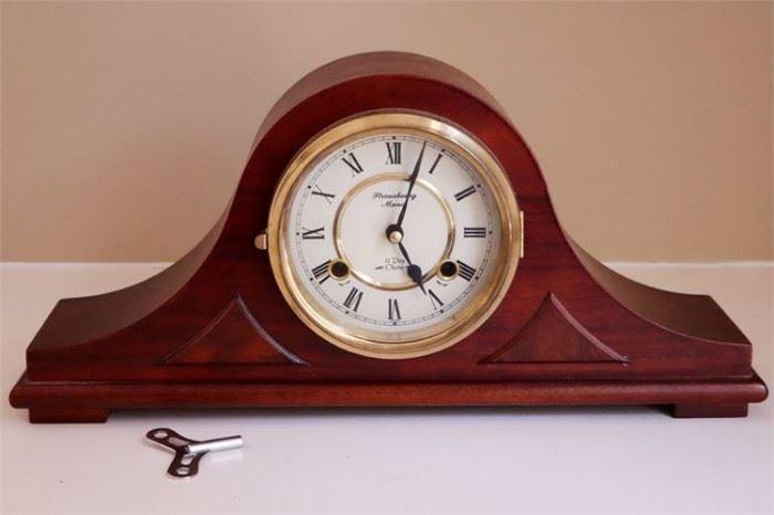 26. STRAUSBOURG MANOR Mantel Clock