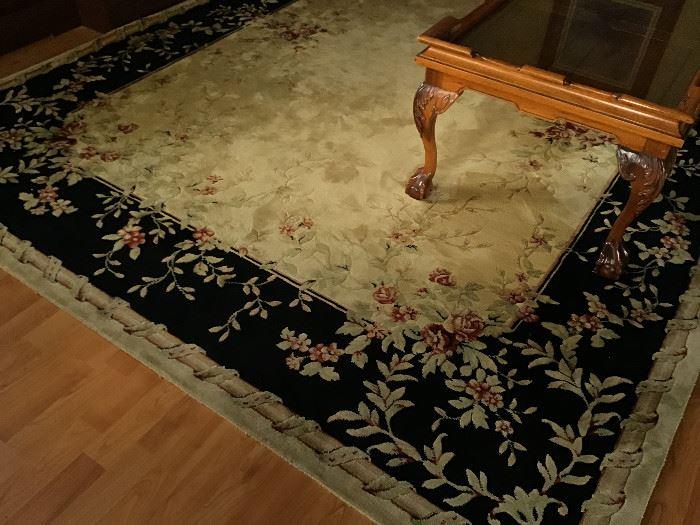 "Beautiful living room rug 7"" x 9"""